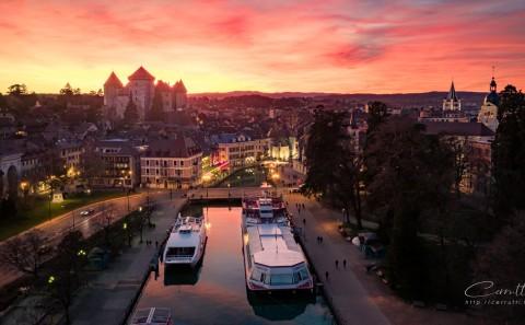 coucher de soleil photo aerienne drone Annecy Haute Savoie chateau prison