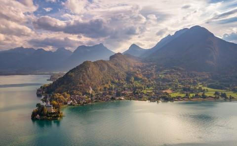 photo aerienne drone Duingt Haute Savoie